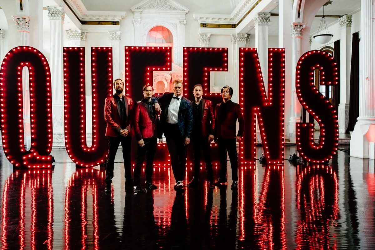 "VIDEO : Queens of the Stone Age – ""The Way You Used To Do"" – Watch Now At Apple Music"