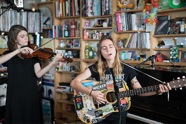 VIDEO: Julien Baker – Tiny Desk Concert + New U.S. Tour Dates