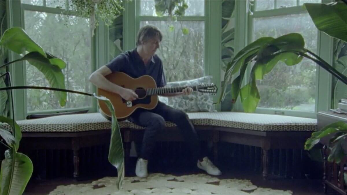 "VIDEO : Stephen Malkmus – ""Middle America"" (acoustic)"