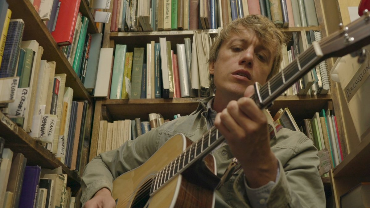 "VIDEO: Steve Gunn – ""Vagabond"" (Acoustic)"